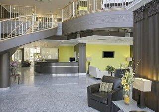 Quality Hotel & Executive Suites Oakville