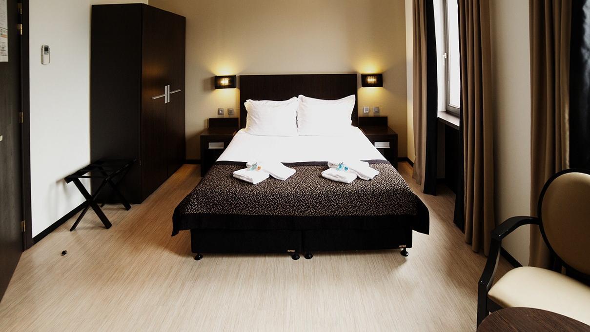 โรงแรมฟลอริส อุสเทล มิดี