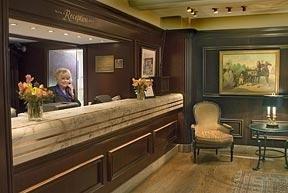 Clarion Hotel Peabody Court