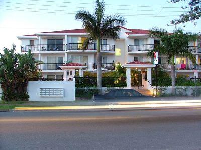Shaz Maisons Apartments