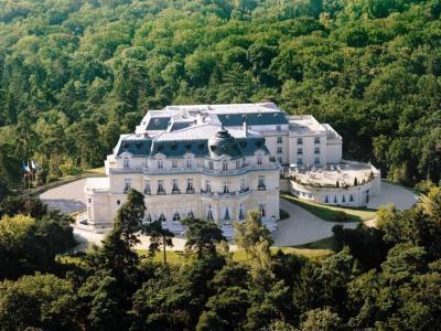 Tiara Chateau Mont Royal Chantilly