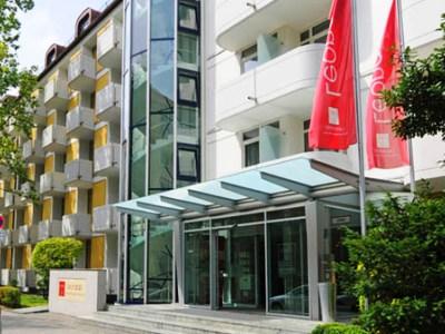 Leonardo Hotel And Residence