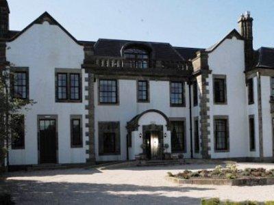Gleddoch House