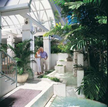 Aqua Waikiki Joy Hotel