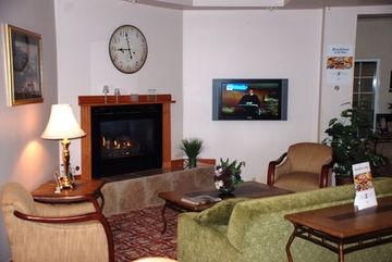HOLIDAY INN EXPRESS HOTEL & SUITES FENTON