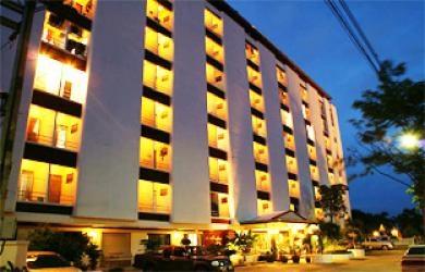 Nawarat Resort And Serviced Apartment