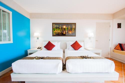 Karon Sea Sands Resort