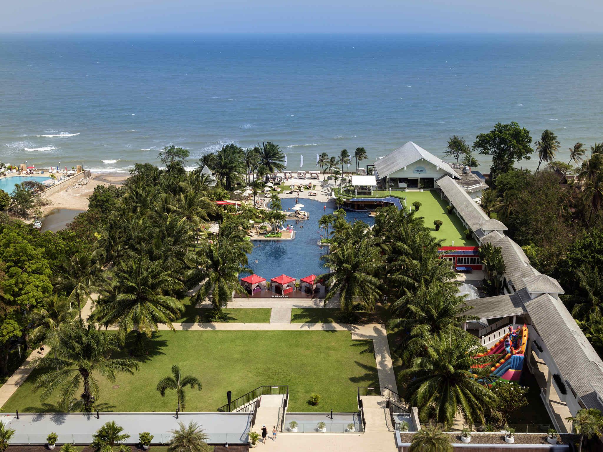 Novotel Hua Hin Cha Am Beach Resort and Spa