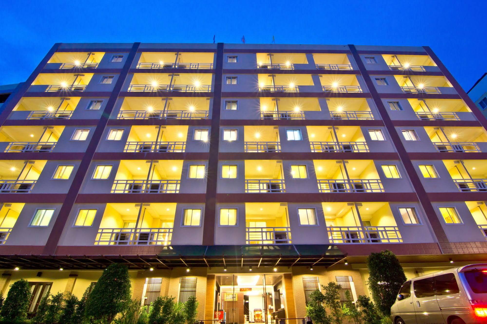 โรงแรมโกลเด้น ซี พัทยา