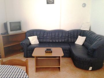 Apartments Zavrelje