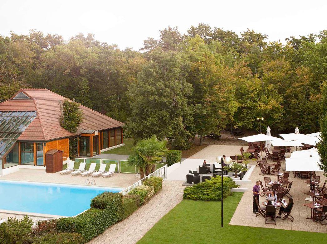Novotel Fontainebleau Ury Hotel