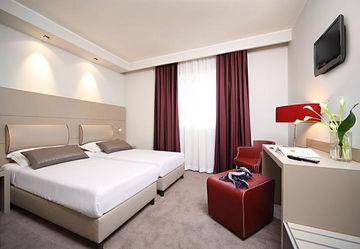 Smart Hotel Holiday