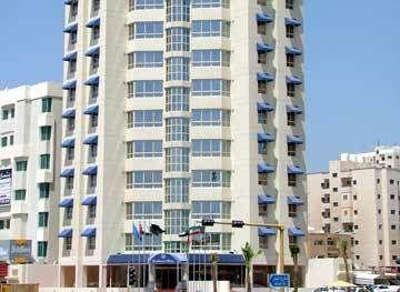Le Royal Express Hotel, Salmiy