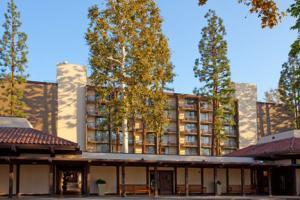 Holiday Inn Beverly Garland