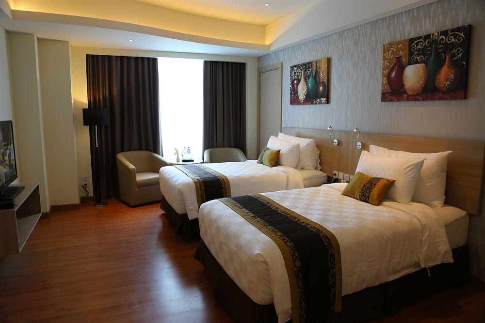 Golden Tulip Galaxy Hotel