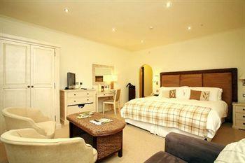 Legacy Hampshire Hotel