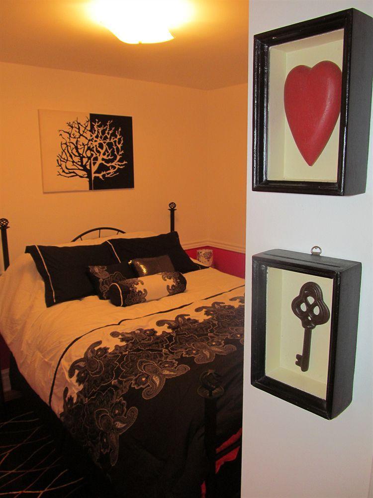 Cozy Inn Bed & Breakfast