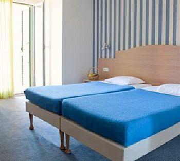 Langley Hotel Mediterranee