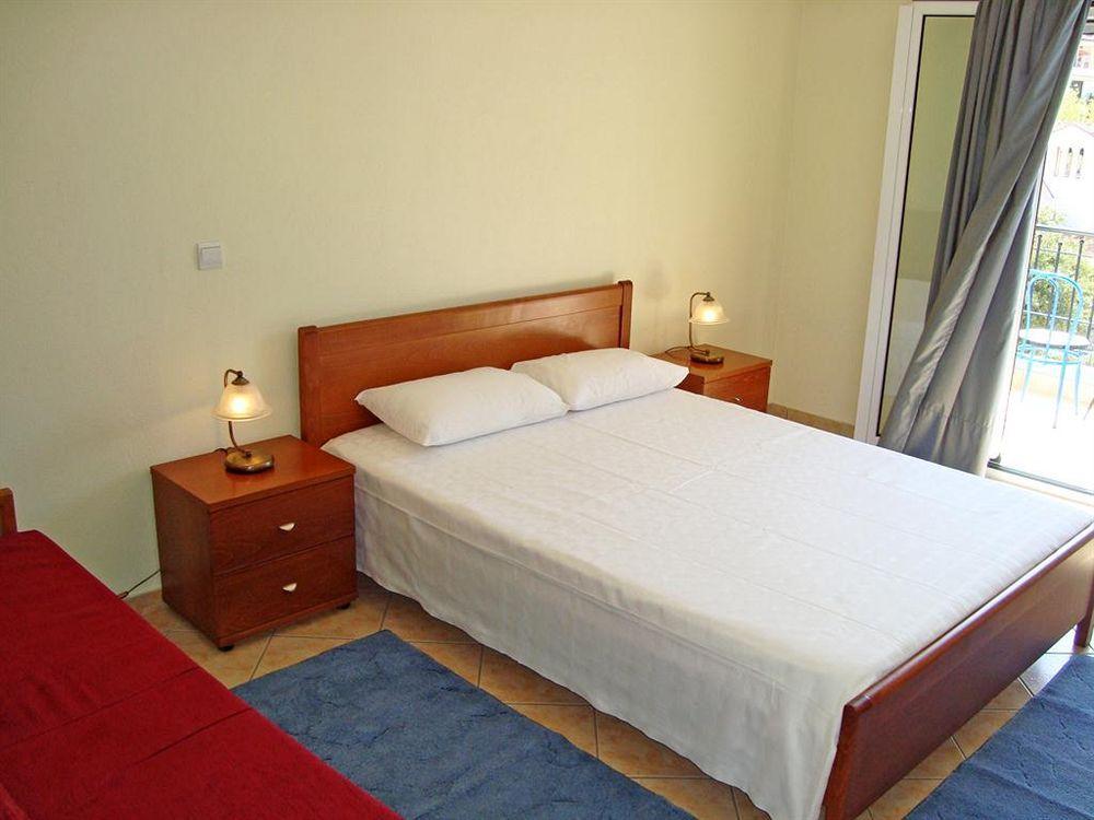 Paradosi Rooms & Apartments