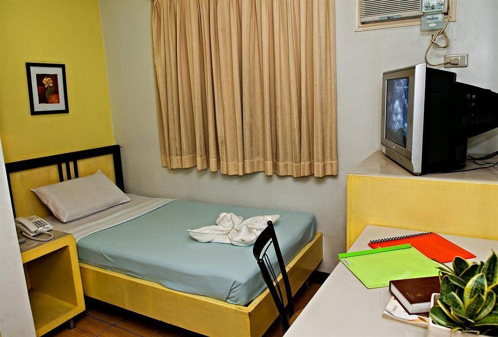 Riverside Inn - Hostel