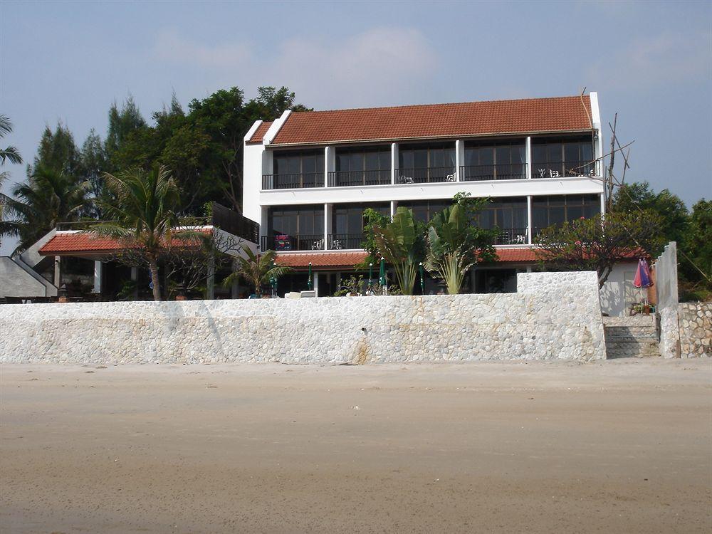 White Sand Beach Hotel Hua Hin