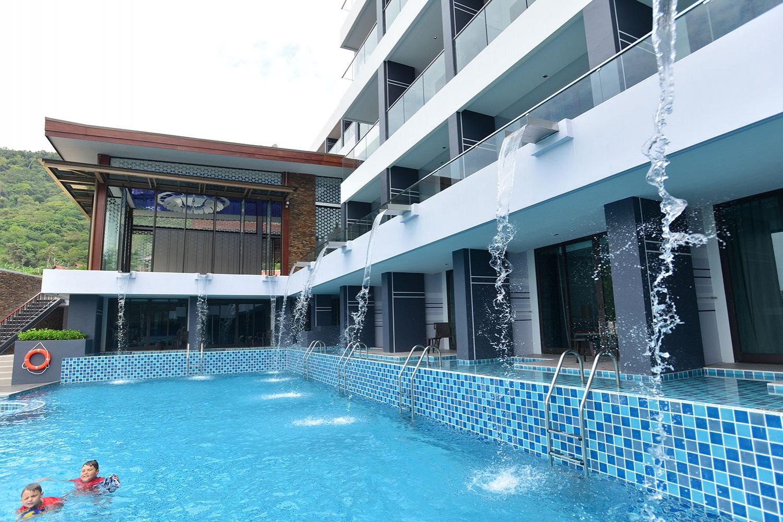 โรงแรม เดอะ ยามา ภูเก็ต
