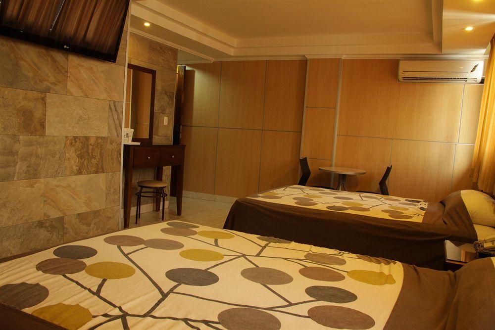 Roma Plaza Hotel