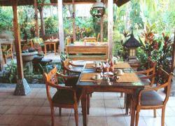 Pondok Sari Beach Bungalow Resort and Spa