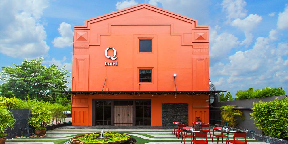 Q Hotel