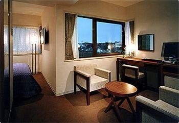 Ueno Parkside Hotel