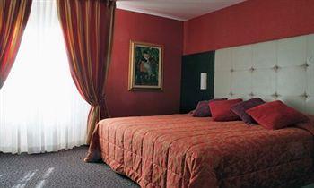 Capitole Hotel