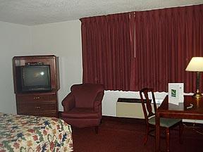 Quality Inn Mid Wilshire Plaza