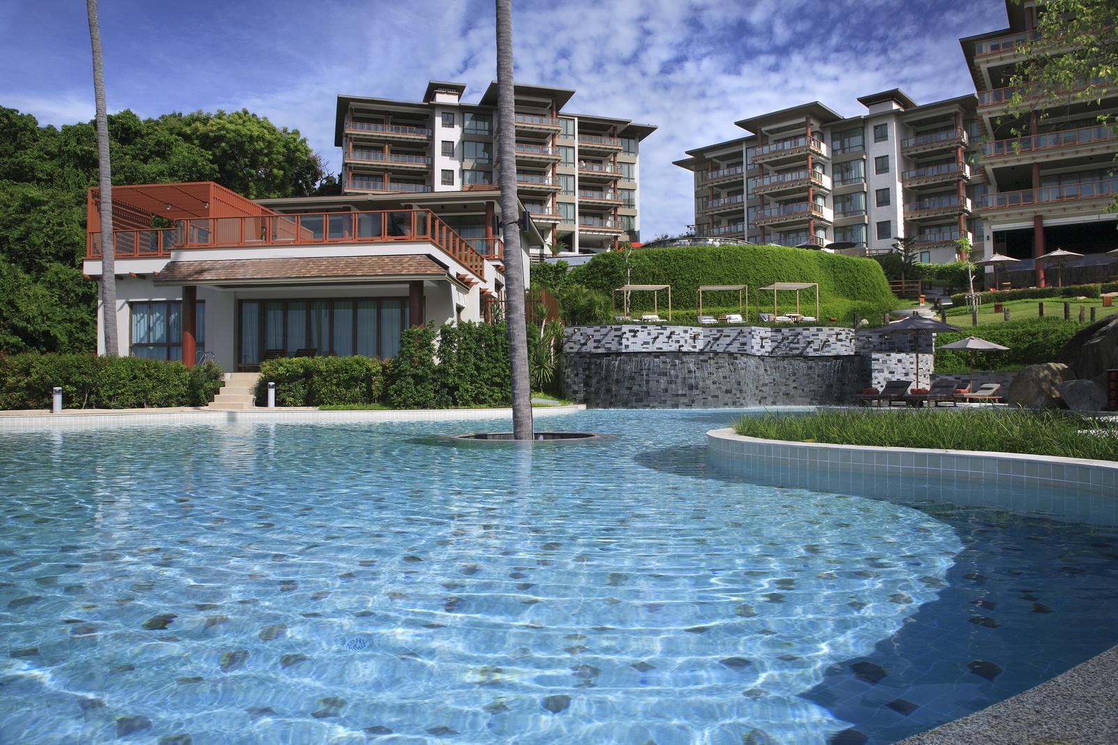 โรงแรมชาซ่า รีสอร์ท แอนด์ เรสซิเด้นซ์เซส เกาะสมุย