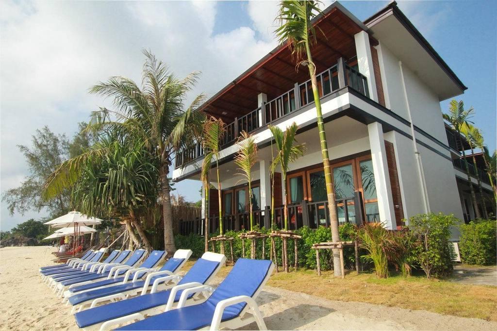 Cabana Lipe Beach Resort