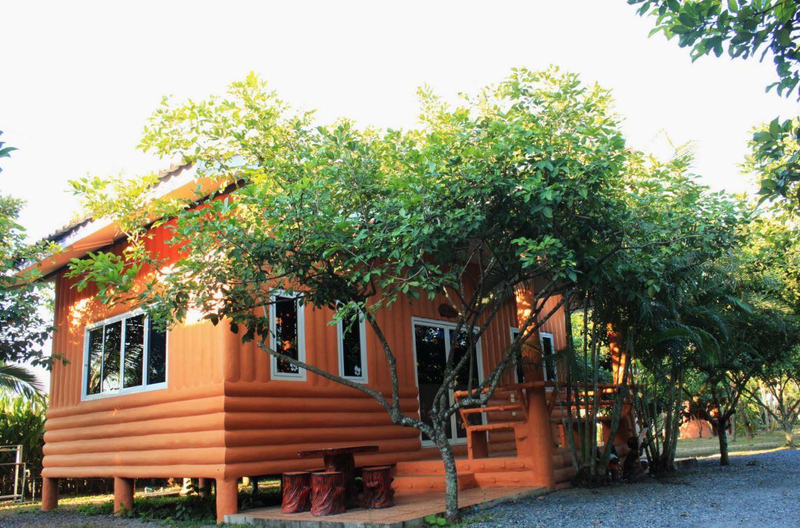 บ้านสวนลุงยศ รีสอร์ท