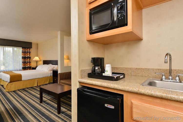 Holiday Inn Express Elk Grove Central-Sacramento