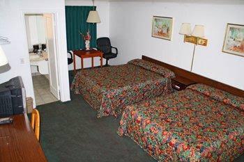 Lark Motel Willits