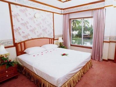 Aunchaleena Beach Front Resort, Koh Chang (Chomnapha Boat)