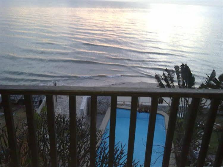 White Sand Beach Hotel