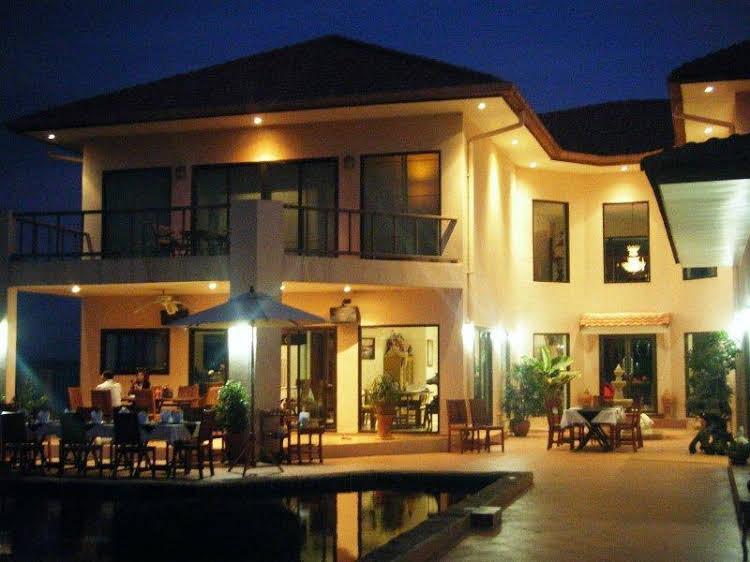Mukdahan Manor B&B