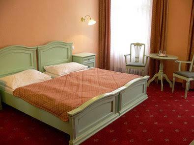 Lauretta Hotel
