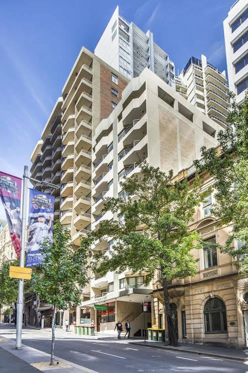 Metro Apartments on King