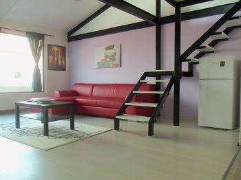 La Casa Suites