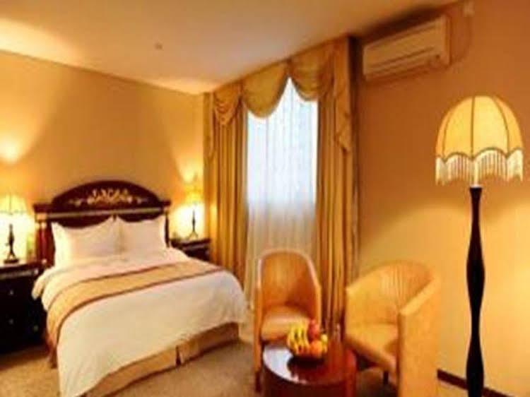 Shanghai Sovereign Hotel