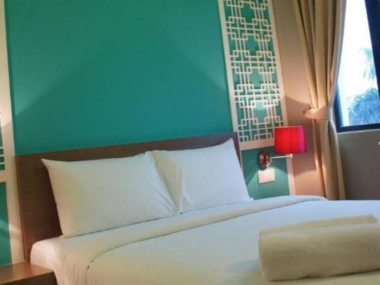 The Grand Jade Hotel