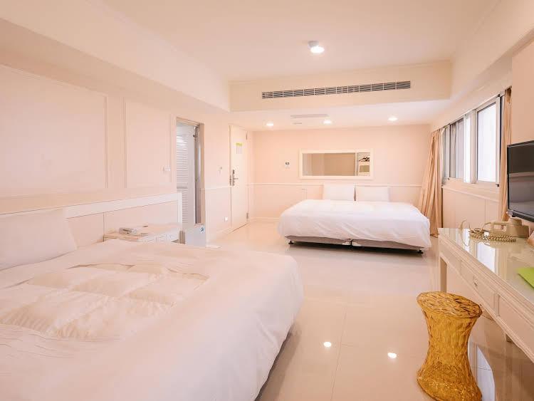 Honeydew Hotel