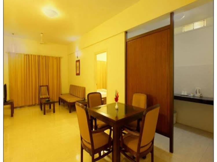 Sun-n-Sand Service Apartments