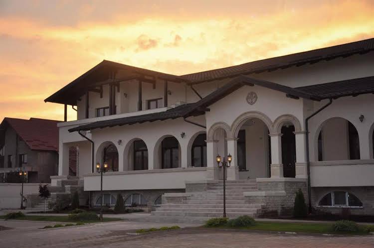 Curtea Bizantina