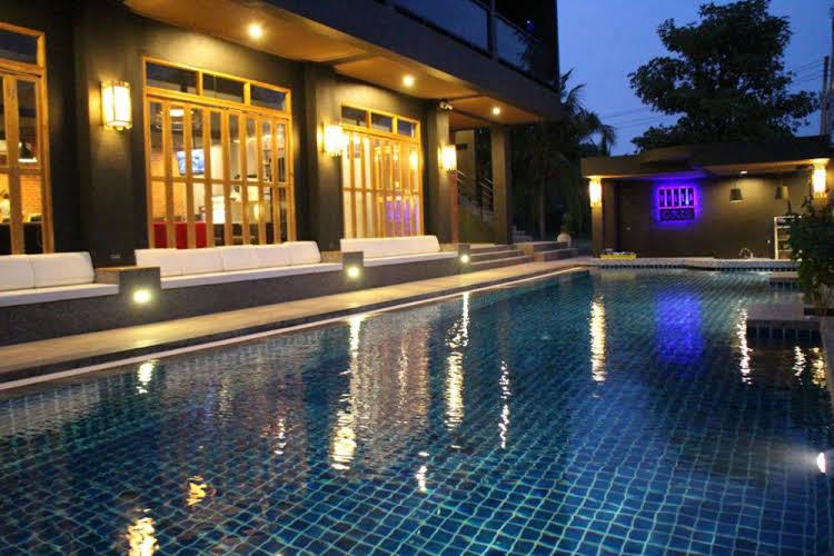 Villa Gris Resort