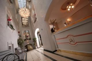 Amira Hotel